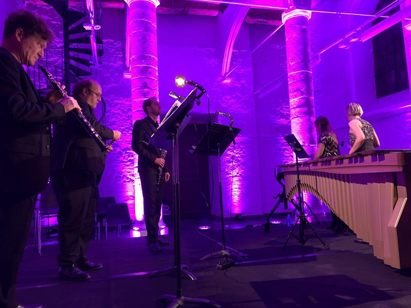 Confrontations Music cross-overs with oboe
